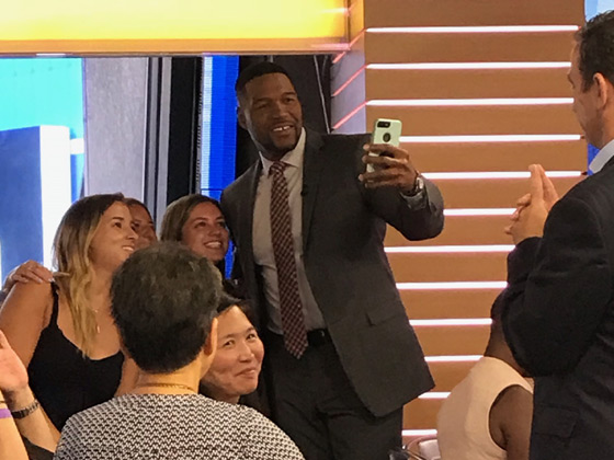 GMA Good Morning America Michael Strahan selfie