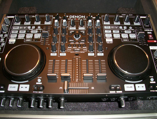 denon 6000 mixer and controller image